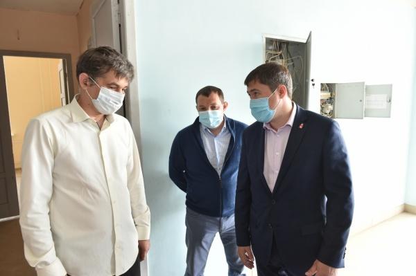 Дмитрий Махонин, больница, долгострой(2020)|Фото: permkrai.ru