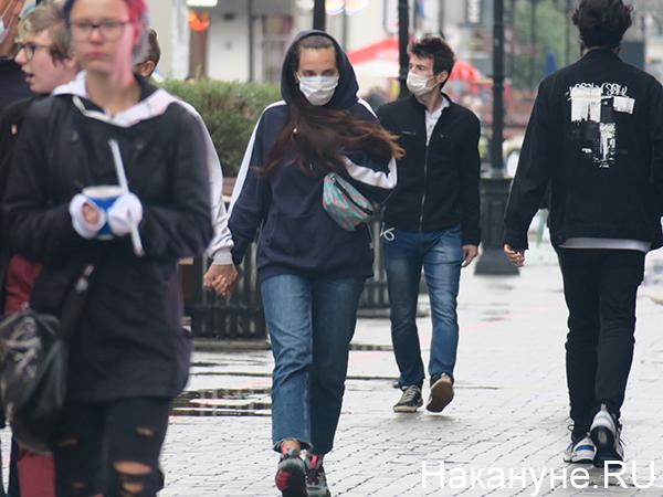 Люди в медицинских масках(2020)|Фото: Накануне.RU