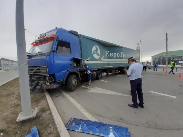 Авария, грузовик, Тюменская область(2020)|Фото: УГИБДД по Тюменской области