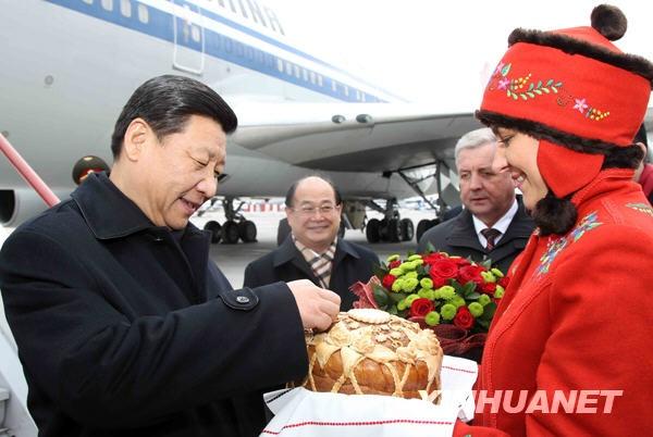 Си Цзиньпин во время визита в Минск в 2010 г.(2020)|Фото: china.com.cn