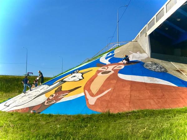 граффити, бегущая лань, мост, нижневартовск(2020) Фото: пресс-служба администрации Нижневартовска