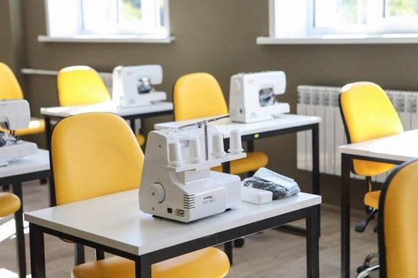 класс, швейная машина, труд, руководелие(2020)|Фото: пресс-служба Воронежской областной думы