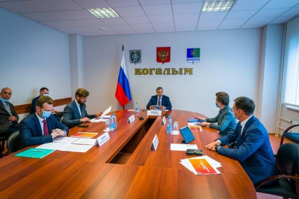 Наталья Комарова, Валерий Фальков, визит министра в Когалым(2020)|Фото: Департамент общественных и внешних связей Югры