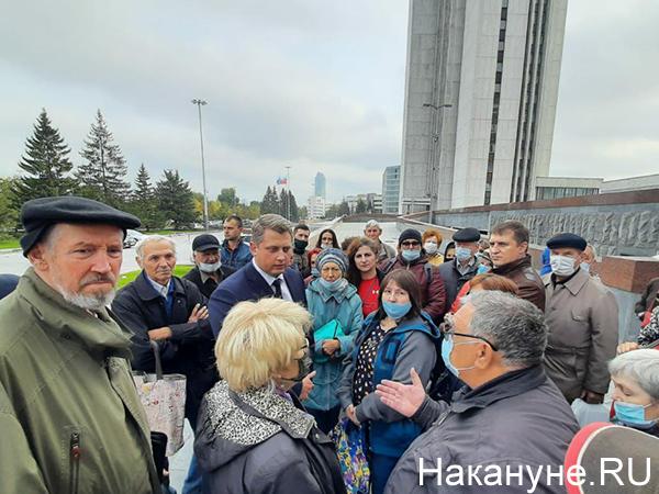 Александр Ивачев на встрече с обманутыми пайщиками(2020) Фото: Накануне.RU
