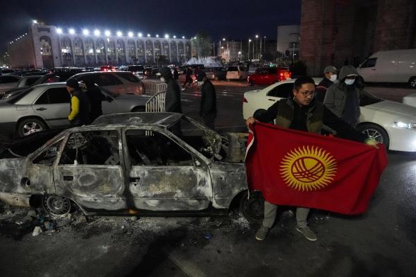 Последствия беспорядков в Бишкеке 06.10.2020(2020)|Фото: grandnews.ru