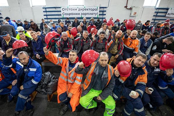 Докеры морского порта во Владивостоке (2020) Фото: Пресс-служба владивостокского морского торгового порта