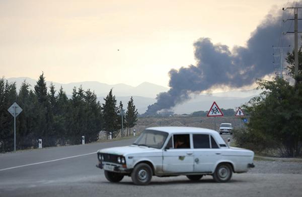 Последствия конфликта в Нагорном Карабахе(2020)|Фото: Aziz Karimov/Reuters