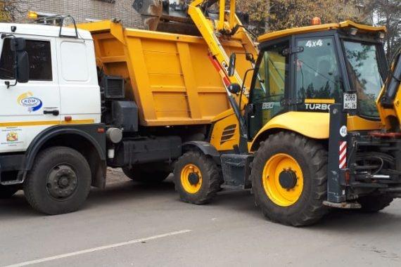трактор, благоустройство, воронеж(2020)|Фото: пресс-служба Воронежской городской думы