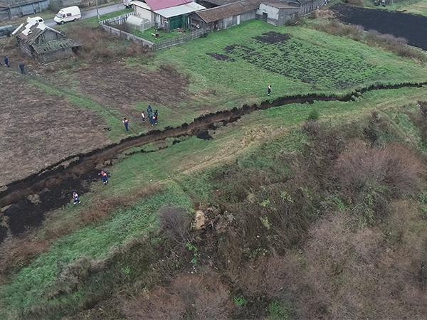 Оползень в деревне Верхняя Иленка(2020) Фото: ГУ МЧС России по Свердловской области