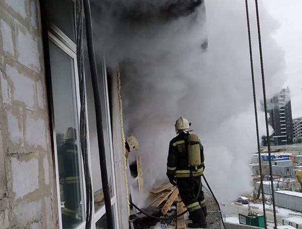 Пожар в Екатеринбурге на пр. Академика Сахарова(2020) Фото: ГУ МЧС России по Свердловской области