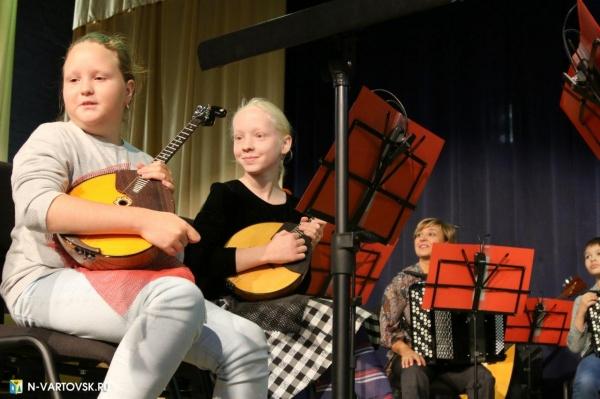 дети, музыка, музыкальный инструмент, нижневартовск(2020)|Фото: пресс-служба администрации Нижневартовска
