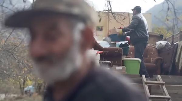 Армяне покидают Нагорный Карабах(2020)|Фото: youtube.com/История от болельщика