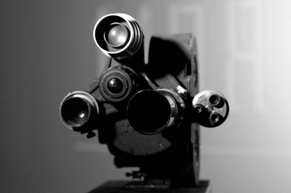 """Восстановленная кинокамера военных лет(2020) Фото: творческое объединение """"Фотокоры"""""""