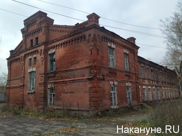 Здание казармы на территории Военного городка в Новосибирске(2020)|Фото: Накануне.ру