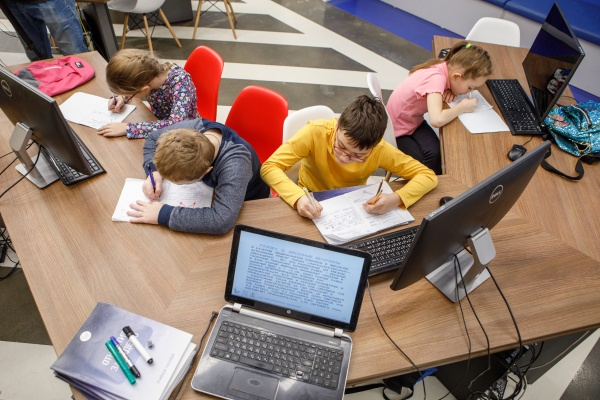 дети, образование, школа, компьютер, дистант(2020)|Фото: пресс-служба Воронежской областной думы