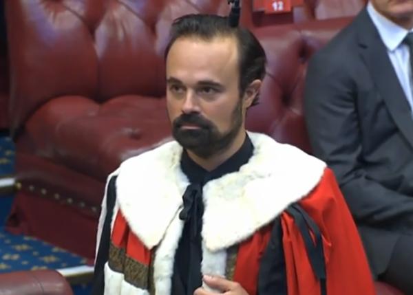 Барон Хэмптонский и Сибирский Евгений Лебедев принимает присягу в палате лордов в Великобритании. (2020)|Фото: The New European