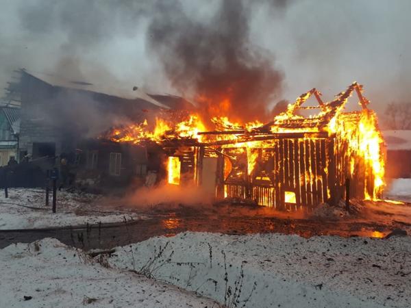 Пожар в частном доме в Нижнем Тагиле на ул. Энгельса(2020)|Фото: ГУ МЧС России по Свердловской области