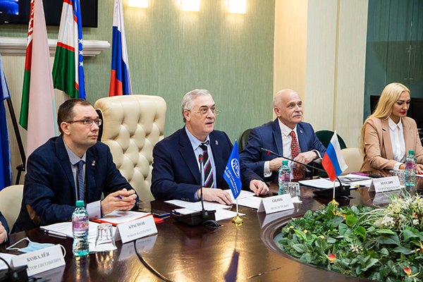 Роман Краснов, Яков Силин, Андрей Беседин(2021)|Фото: Пресс-служба УрГЭУ-СИНХ