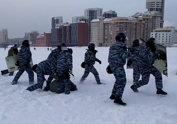 ледовое побоище, разгон митинга в Екатеринбурге(2021) Фото: МБХ видео, скриншот видео