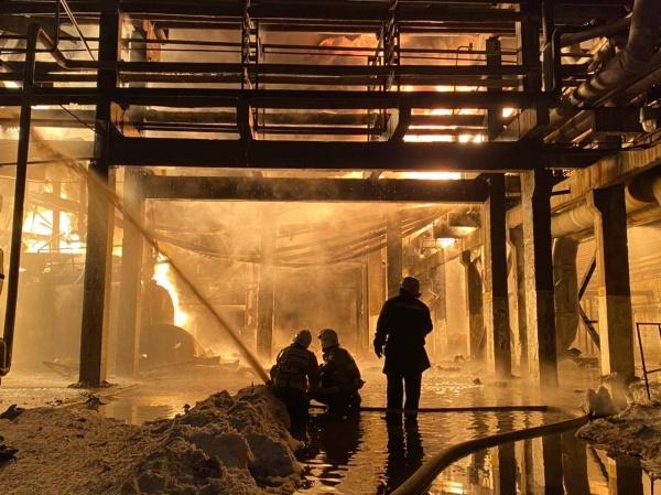 Завод, пожар, Уфаоргсинтез(2021) Фото: МЧС РФ