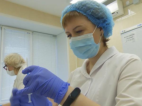 врач, вакцинация, медицина, здравоохранение(2021)|Фото: Пресс-служба УГМК