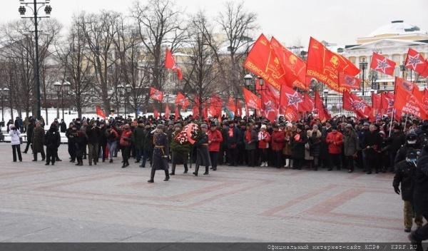 возложение цветов в День защитника Отечества, 23 февраля(2021)|Фото: Пресс-служба ЦК КПРФ, Сергей Сергеев