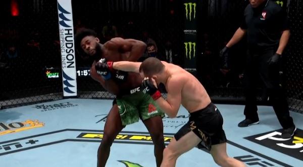 Петр Ян, Алджамейн Стерлинг(2021)|Фото: скриншот трансляции UFC 259