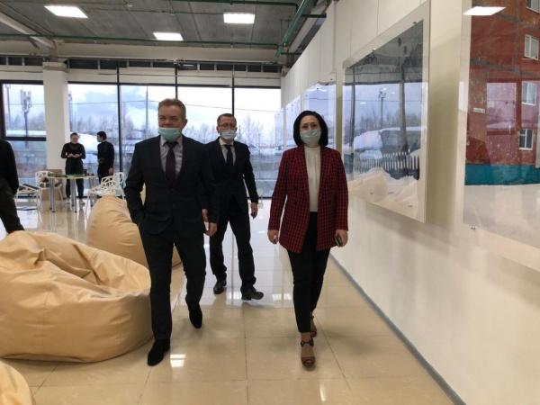 василий тихонов, светлана селиванова(2021) Фото: пресс-служба администрации Нижневартовска
