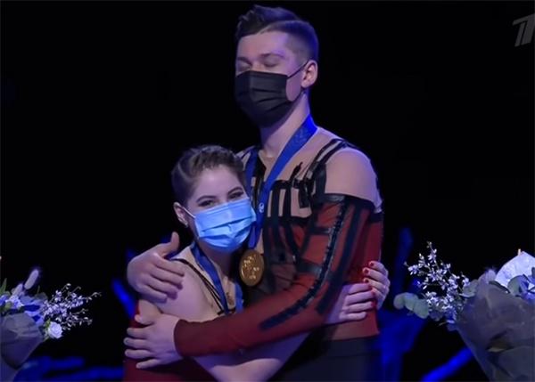 Анастасия Мишина и Александр Галлямов на Чемпионате мира по фигурному катанию в Стокгольме 2021.(2021)|Фото: Первый канал