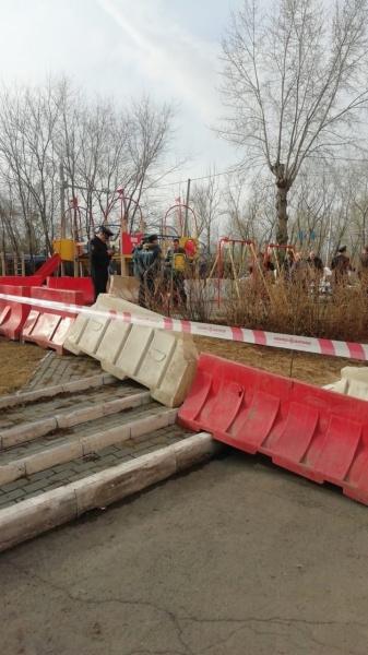 размыв грунта, коллектор, дыра в асфальте, провал, улица Куйбышева(2021) Фото: vk.com/chel4m3