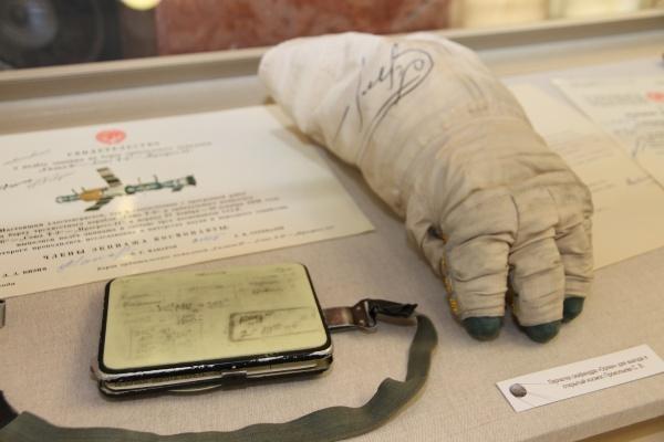 перчатка от скафандра Орлан-2(2021)|Фото: пресс-служба музейного комплекса УГМК
