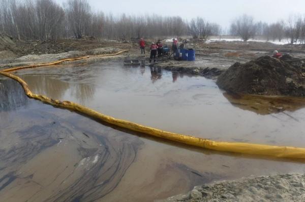 разлив нефти, Урьевский Еган(2021) Фото: prirodnadzor.admhmao.ru