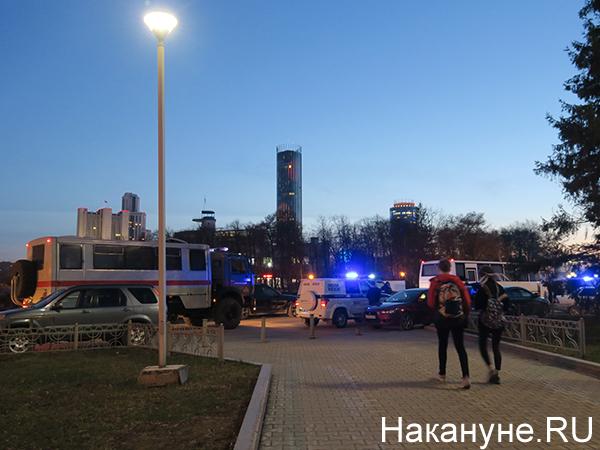 Полиция на шествии в поддержку Навального в Екатеринбурге(2021)|Фото: Накануне.RU