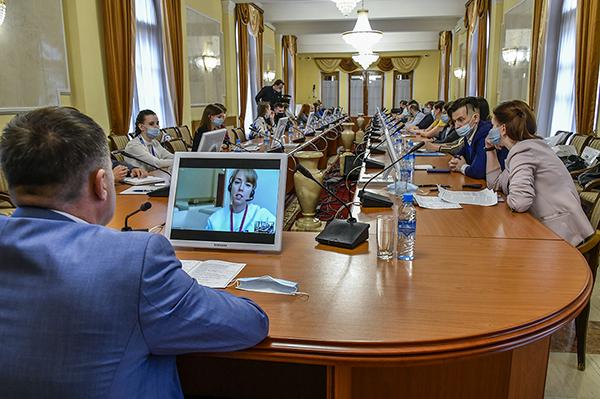 Круглый стол по реализации молодежной политики на предприятиях УВЗ(2021) Фото: uralvagonzavod.ru