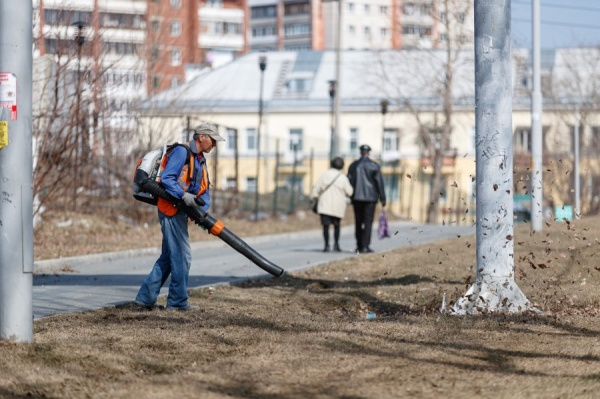 мясячник чистоты, уборка улиц(2021)|Фото: Екатеринбург.рф, Федор Серков