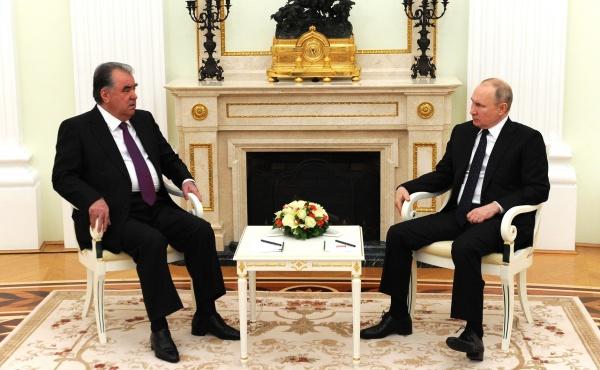 Встреча с Президентом Таджикистана Эмомали Рахмоном(2021)|Фото: kremlin.ru