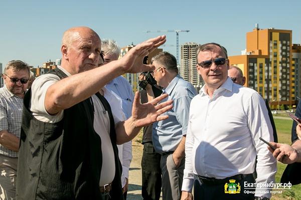 Алексей Орлов инспектирует ход строительства спортивных объектов(2021)|Фото: Екатеринбург.рф / Алина Шешеня