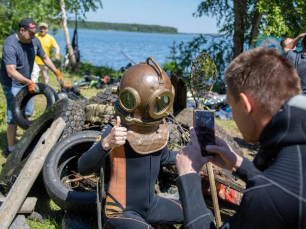 дайвер, очистка водоема(2021) Фото: Алексей Вихарев
