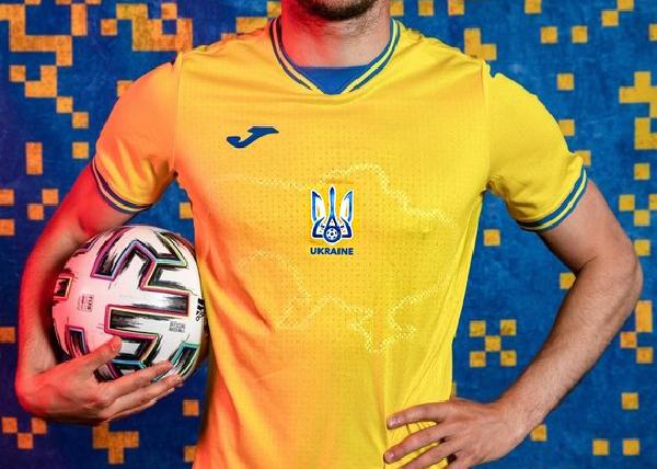 Форма сборной Украины на Евро-2020 с изображением Крыма(2021)|Фото: facebook.com/andriy.pavelko