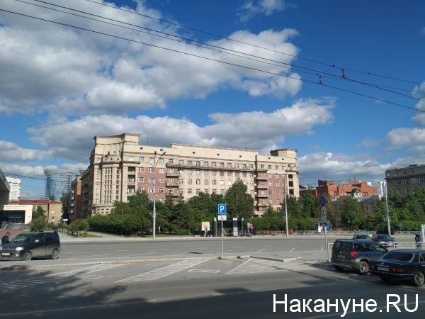 Стоквартирный дом на пл. Свердлова в Новосибирске(2021)|Фото: Накануне.RU