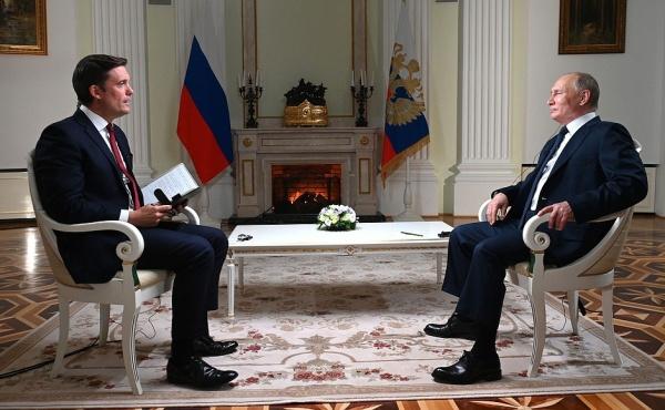 Кир Симмонс, Владимир Путин(2021)|Фото: Пресс-служба Кремля