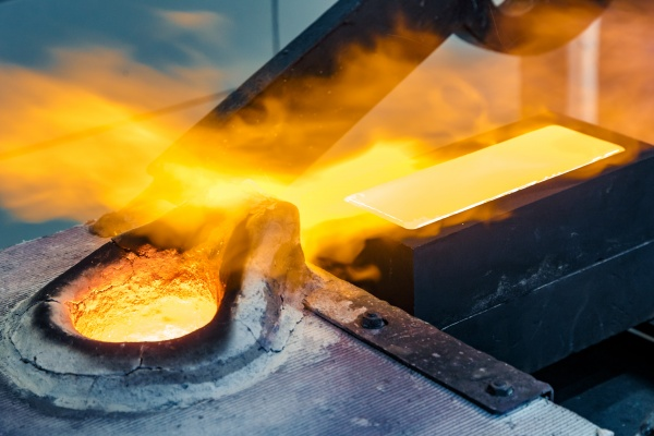золото, выплавка(2021)|Фото: Пресс-служба УГМК
