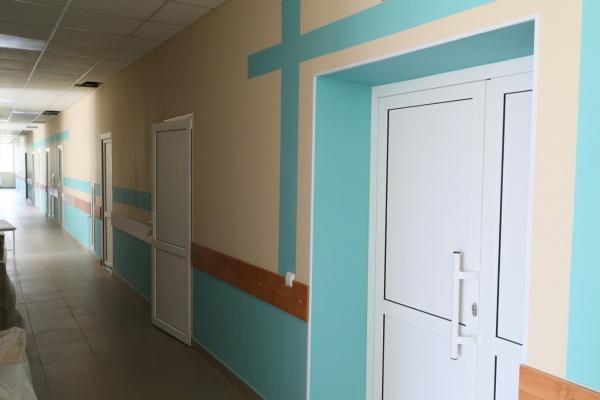 поликлиника, благотворительность ,угмк, коридор, больница, двери(2021) Фото: пресс-служба УГМК