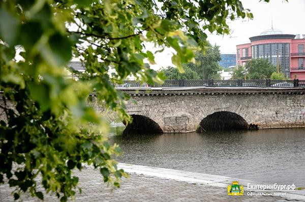Каменный мост на Малышева в Екатеринбурге(2021) Фото: Екатеринбург.рф / Алина Шешеня