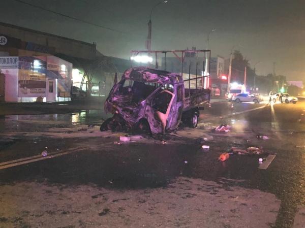 Авария, машина, Республики, Тюменеь(2021) Фото: УГИБДД по Тюменской области