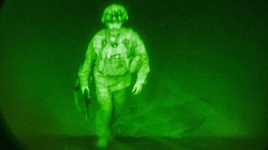 Последний американский солдат уходит из Афганистана(2021)|Фото: hindustantimes.com