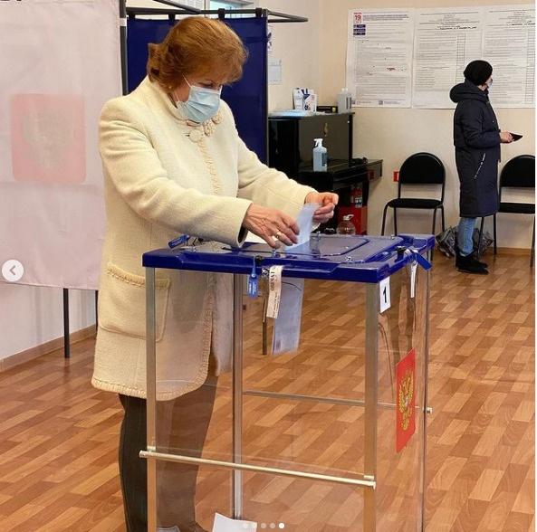 Галина Лапковская, голосование(2021)|Фото: https://www.instagram.com/gv_lapkovskaya/