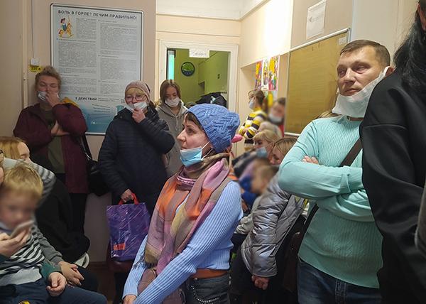 Очередь в поликлинике в Левшино(2021)|Фото: Людмила Ёлтышева