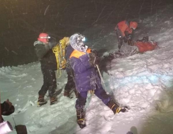 Спасательные работы МЧС на горе Эльбрус(2021) Фото: ГУ МЧС России по Кабардино-Балкарской Республике