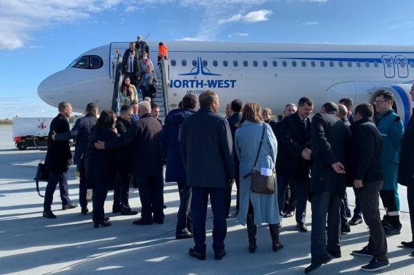 аэропорт Ремезов, аэропорт Тобольска, первый рейс, самолет(2021)|Фото: t.me/operativnyishtabtyumen